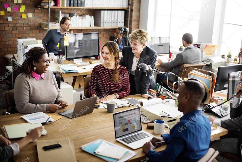 Buitenlandse werknemers praten Nederlands op de werkvloer